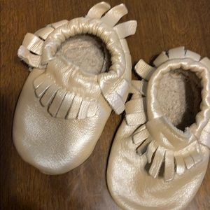 Other - Shimmer pearl moccasins